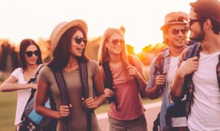 BACKPACKERS LEARNING SPANISH IN LATIN AMERICA